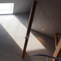 光と影の共生。そして経年変化は経年美化であること。それを末永く愉しめる家。そんな家が好きです。ハウスアンドハウス 高橋由浩